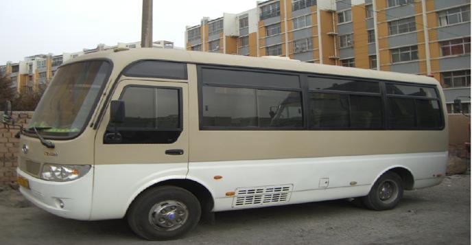19座金龙旅游车