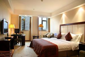 【桂林蓝宝石大酒店】西城路步行街上的四星级酒店