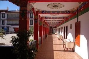 拉萨市仙足岛假日庄园酒店(主楼)