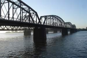 沈阳到丹东凤凰山、五龙背温泉、鸭绿江断桥、丹东市内二日游