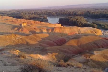 新疆双飞8日(万亩胡杨林、五彩滩、火焰山)|新疆旅游攻略