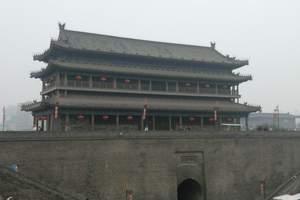 西安市内旅游:西安城墙、钟鼓楼广场大雁塔广场一日游/陕西中旅