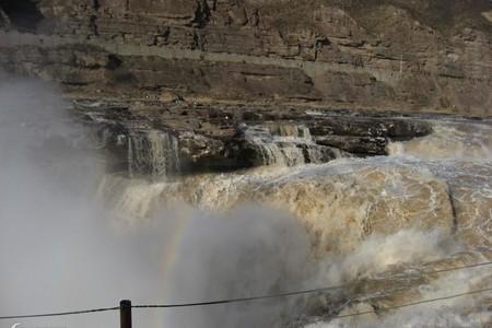 西安兵马俑、华清池、华山、延安、黄河壶口瀑布四晚五日精品游