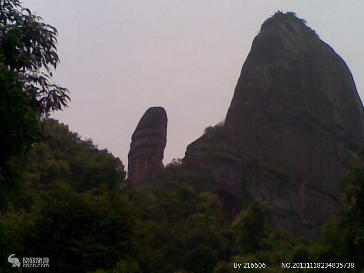 风景名胜区,又是国家地质地貌自然保护区,还被称为中国红石公园,广东