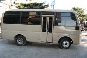 两家人来青岛需要包个什么样的车|机场接送市区用车