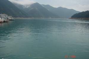 寻雾东江湖、生态凤凰岛、访醉美古村、探秘竹海高铁三日游