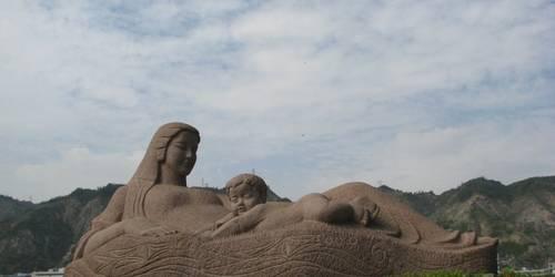 黄河母亲碑