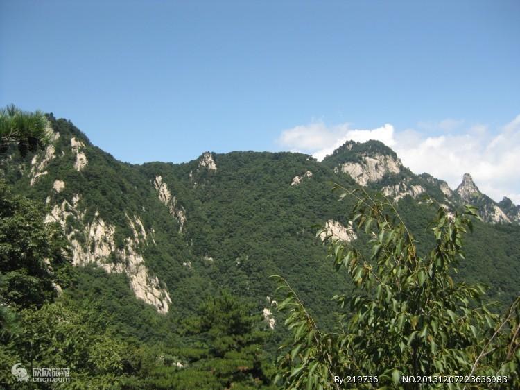 石人山图片