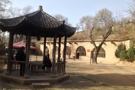 西安到延安旅游线路_黄帝陵轩辕庙、壶口瀑布、枣园二日游