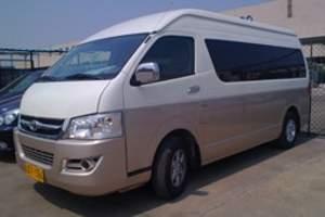 扬泰机场接送机 11座丰田商务车