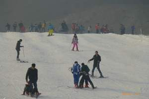 石家庄滑雪场二日游、石家庄泡温泉滑雪场二日游