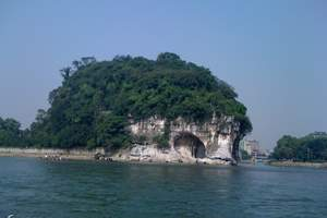 桂林市内包车一日游 象鼻山叠彩山芦笛岩七星公园【B101】