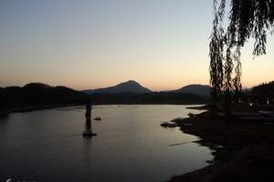 茗阳、西河、步步娇玻璃桥二日游