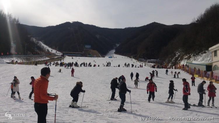 元旦天天发团☆郑州出发到【尧山滑雪乐园一日游】滑雪冰雪节