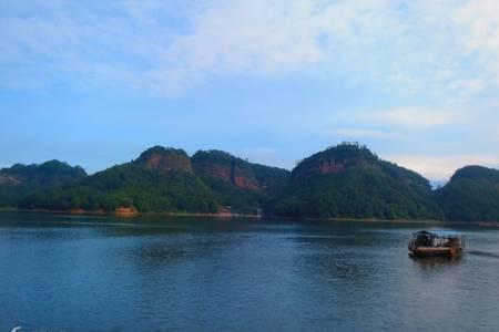 国庆大金湖旅游_泉州到泰宁大金湖、九龙潭、寨下大峡谷动车二日