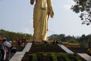 西双版纳勐泐大佛寺 领略佛教圣地 一目望版纳