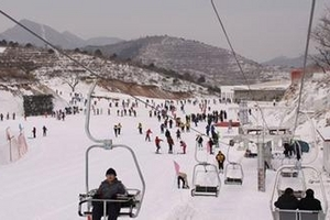 天津滑雪旅游线路_天津滑雪旅游咨询_天津玉龙滑雪场一日游