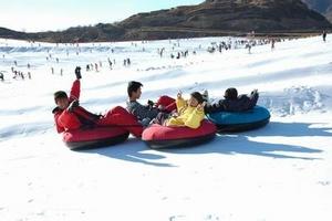 天津滑雪报名旅行社_天津滑雪旅游多少钱_天津到盘山滑雪一日游
