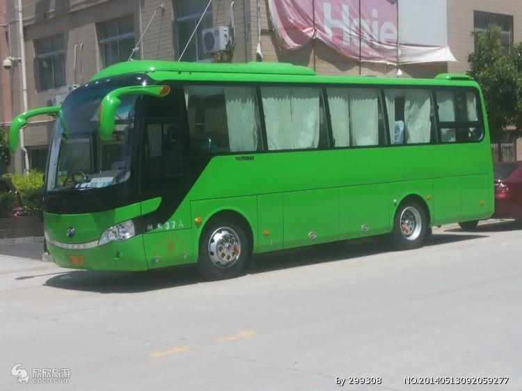 新疆乌鲁木齐37座金龙空调客车新疆旅游包车