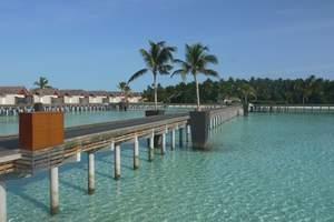 深圳去马尔代夫多少钱 瑞喜敦2沙2水 马尔代夫蜜月旅游报价