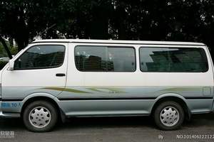桂林包车:14座金龙面包车
