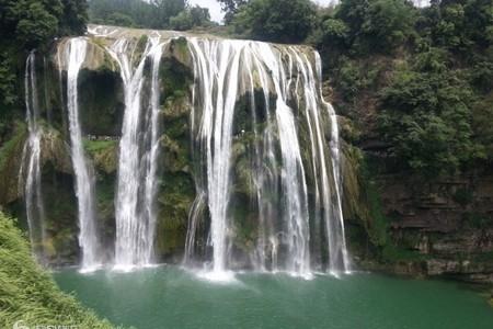 西安到贵州黄果树瀑布、天河潭、青岩古镇、南江大峡谷双卧6日游