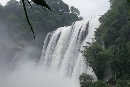 西安到贵州旅游线路_黄果树大瀑布、天河潭、黔灵公园双卧6日游