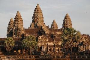 青岛出发去柬埔寨旅游_柬埔寨深度六日游_探秘高棉的微笑纯玩