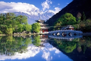 青岛到贵州旅游价格 全程无自费 一价全含双飞六日 每周五发团