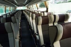 53座旅游车