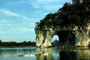 海口到桂林双汽四日游,桂林十大名山、漓江、冠岩,阳朔四天游
