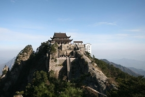 扬州到黄山 、芙蓉谷、滨河古村落、谢裕大博物馆三日游