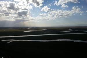 乌鲁木齐出发到南疆穿越天山、世界自然遗产高端精华游6日纯玩