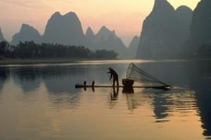 北京出发去广西南宁旅游、德天、北海、越南下龙湾双卧十一日