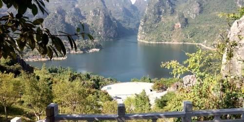 万峰湖游船