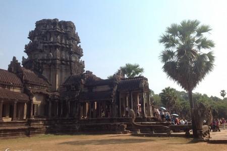 济南去柬埔寨双飞5日游【享誉全球】无自费-吴哥、洞里萨湖一地