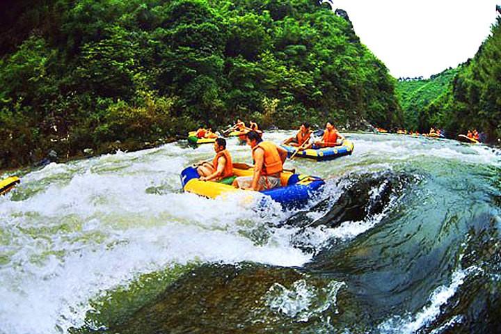 森林主题漂流河