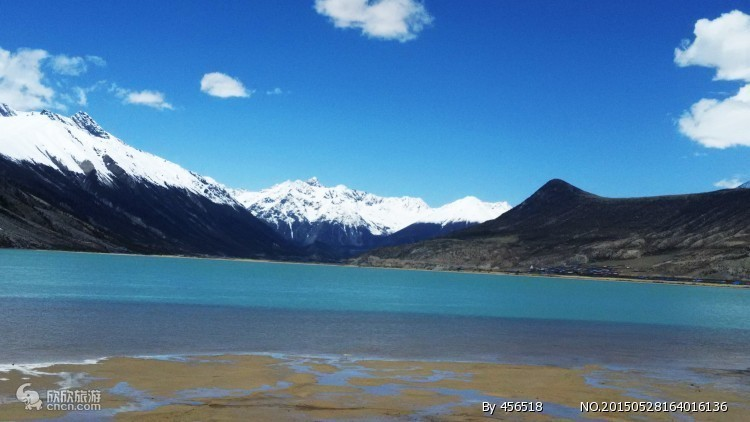 西藏古盐田