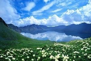 济南到东北旅游—长春、长白山天池、镜泊湖、吉林钻石双飞5日游