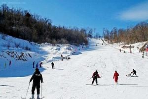 哈尔滨帽儿山体院滑雪票多少钱13314616977