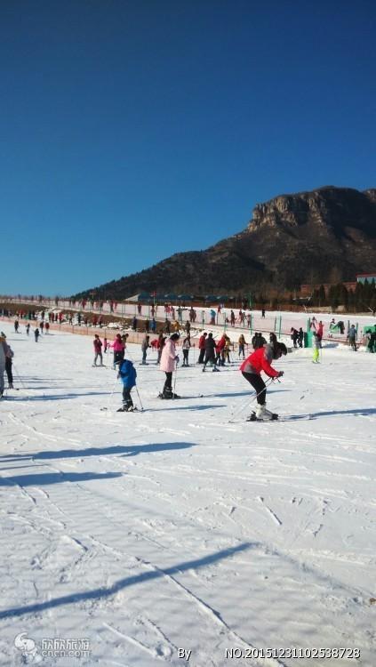 冬天去哪儿滑雪 烟台到威海文登山泰生态园滑雪场山泰滑雪一日游