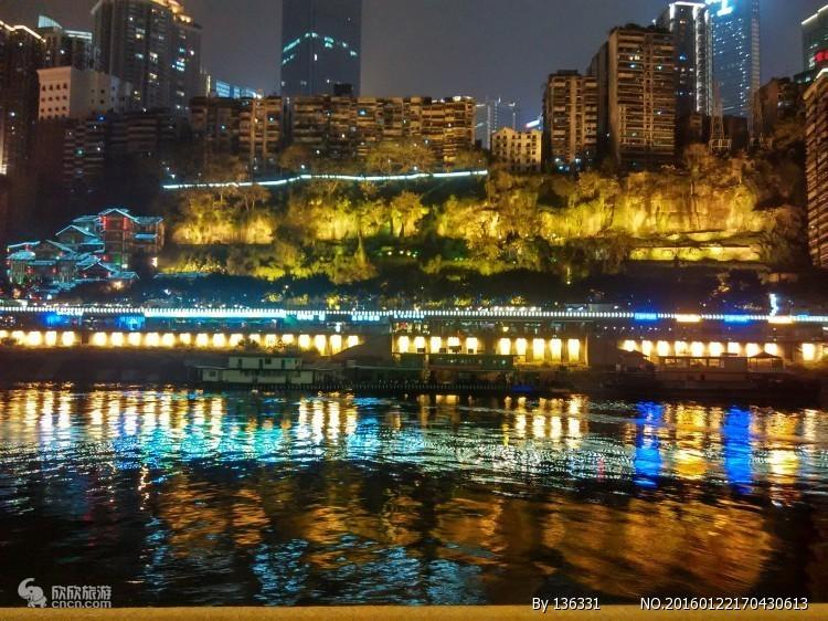 坐公交游重庆——朝天门站:重庆独一无二的城市封面_重庆旅游攻略