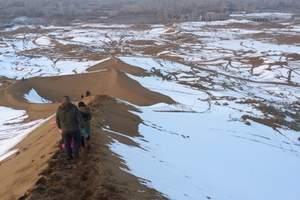吐鲁番博物馆、吐峪沟大峡谷、库木塔格沙漠公园一日游