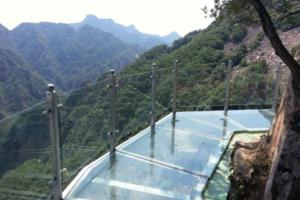 平谷石林峽玻璃觀景  波光粼粼金海湖 +大溶洞二日游