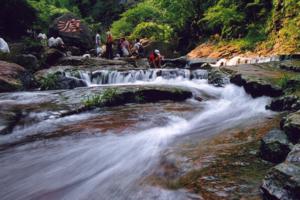 国庆宁波到楠溪江石桅岩、百丈漈、洞头仙叠岩三日游 温州旅游