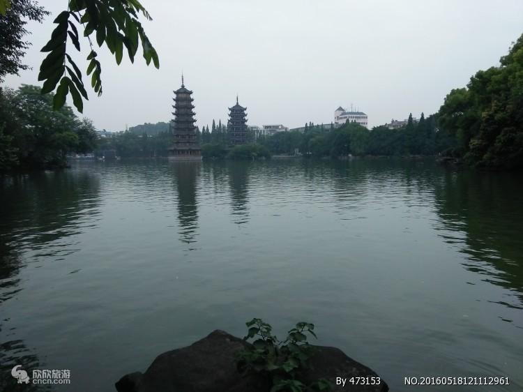 青岛到桂林漓江阳朔、古东瀑布、银子岩、遇龙河经典双飞五日游
