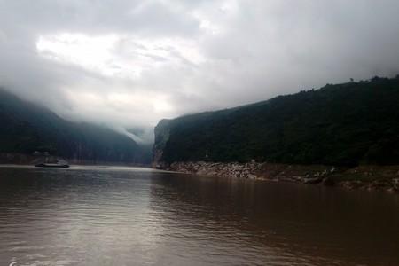 宜渝三峡精品三日游(水陆结合游三峡,马可波罗一代天骄游船)