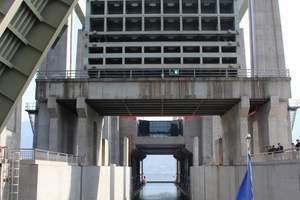 宜昌乘游轮游长江三峡+翻越三峡大坝升船机一日游
