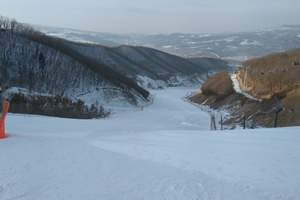 天津到蓟洲国际滑雪场全天滑雪多少钱_圣世宫温泉二日游