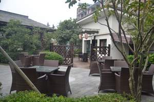 西安泾阳滨港温泉、吴家大院、茯茶小镇大巴往返一日游